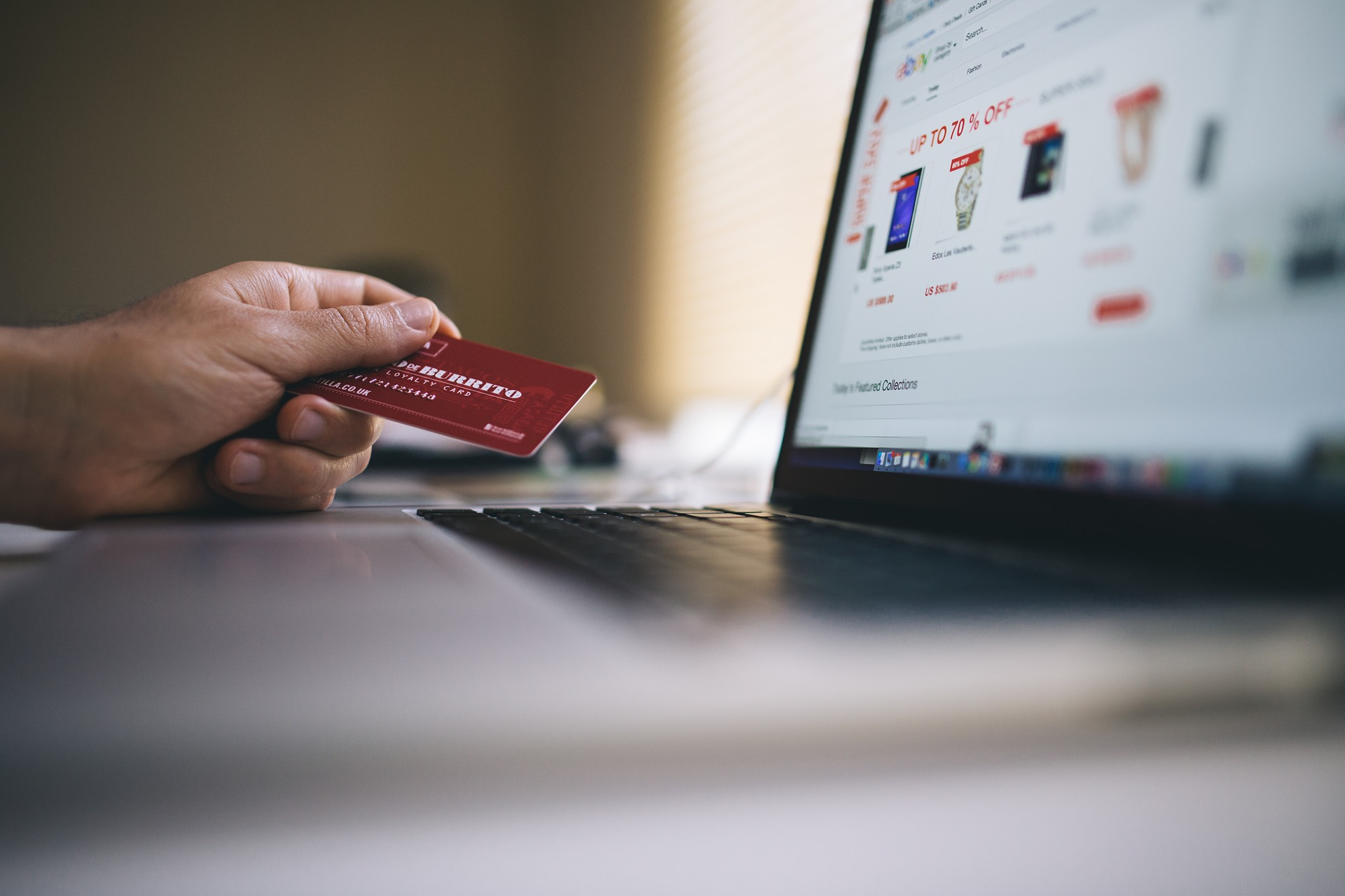 A Guide to Launching your Own E-Commerce Business